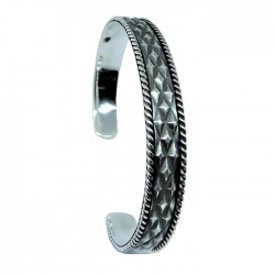 Open ribbed silver bangle
