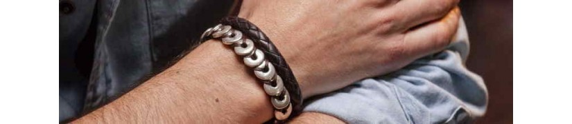 Find the best men's leather bracelet that fits your style